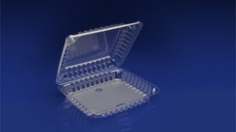 """CHC-8X1<br></br>  8"""" CLEAR HINGED CONTAINER, 2 ¼ DEEP<br></br> 5 Tiers x 9 cases per tier = 45 cases per pallet"""